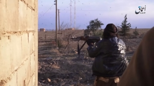 190116 @IS media IS fighter firing on SAA locations in al-Baghiliyah, Deir ez-Zor